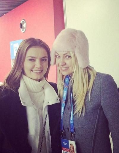 Яна Рудковская и Алина Кабаева болеют за Плющенко