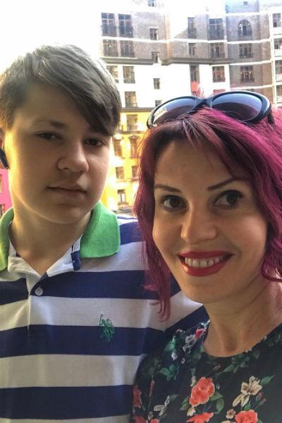 Наталья Штурм доверительно общается с сыном