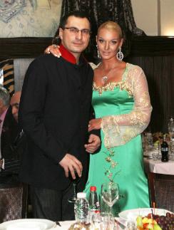 Анастасия Волочкова и Игорь Вдовин год назад на дне рождения НастиАнастасия Волочкова и Игорь Вдовин год назад на дне рождения Насти