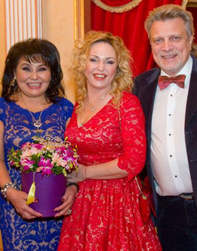 Клара Кузденбаева, Алла Довлатова и Владимир Кузнецов