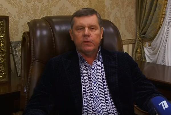 В прошлом году Новиков принял участие в программе «Пусть говорят»
