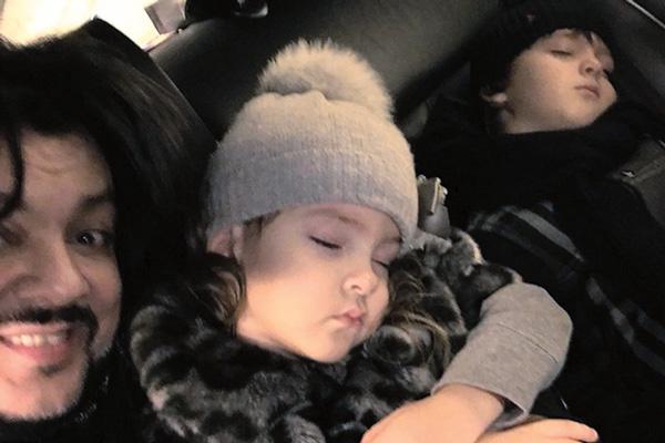 #Спят усталые игрушки