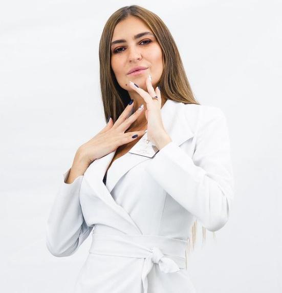 Косметолог про лицо Алисы Аршавиной: «Ее болезнь и филеры могли дать такие осложнения»