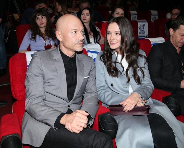 Федор Бондарчук и Паулина Андреева оделись в одном стиле