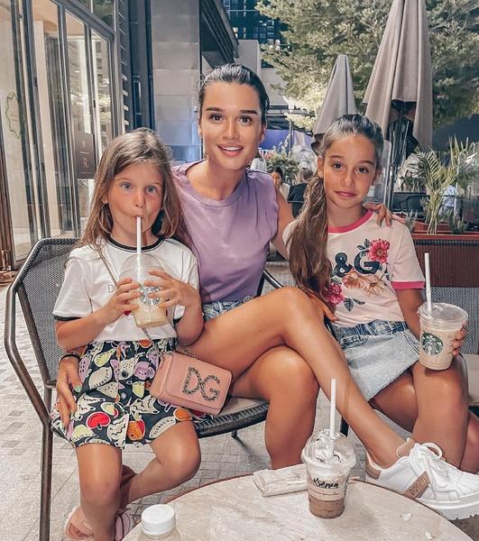 Бородина воспитывает дочерей от разных мужей