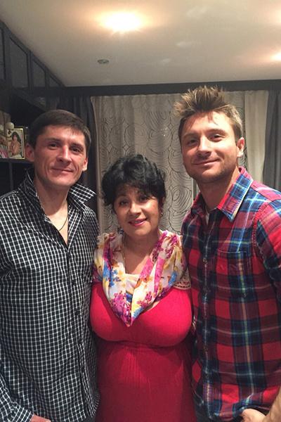 Валентина Викторовна  счастлива, что сыновья  Павел и Сергей дружат