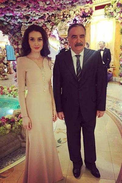 На свадьбе присутствовал первый президент Ингушетии Руслан Аушев