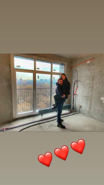 Константин и Анна сделали первый снимок из нового жилья