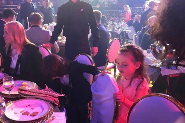 Дети Киркорова также присоединились к банкету