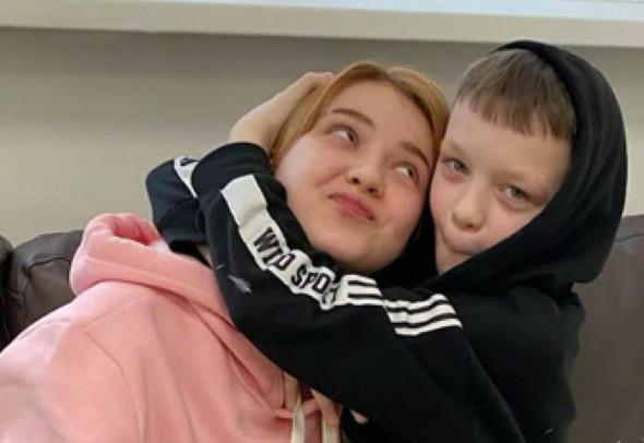 Даша и ее друг Ваня ждут появления ребенка