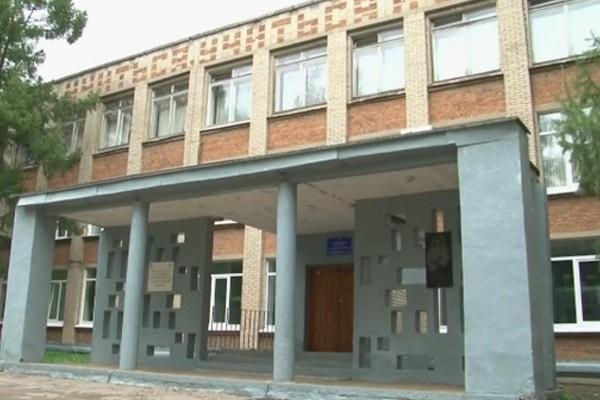 Сейчас у входа в 11-ю школу, где учился Игорь Тальков, установлена мемориальная доска