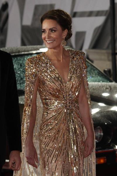 Кейт Миддлтон пришла на премьеру фильма в роскошном платье за 280 тысяч