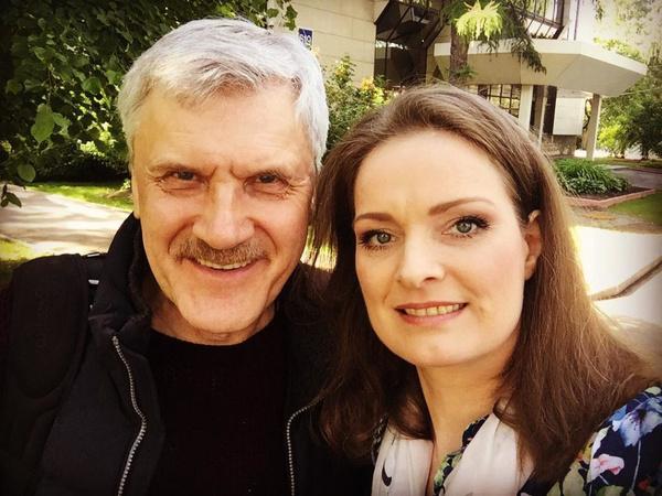 Актер уже много лет дружит с Ольгой Копосовой