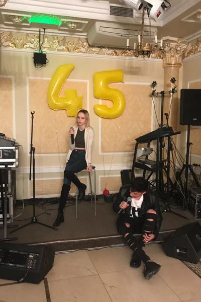 Презентация песни Дианы Шурыгиной закончилась дракой