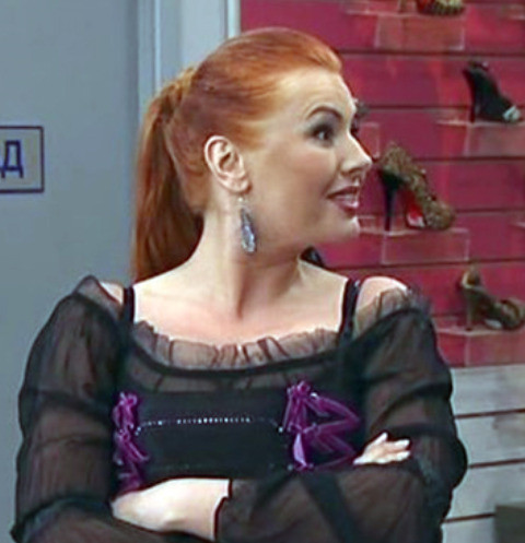 Янина Бугрова в сериале «Счастливы вместе»