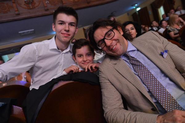 Андрей Малахов с внуками Валентины Терешковой Алексеем и Андреем