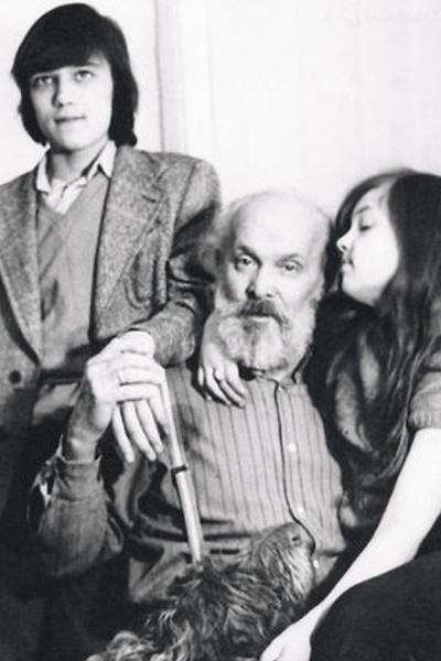 Вацлав Дворжецкий с внуками Cашей и Лидой