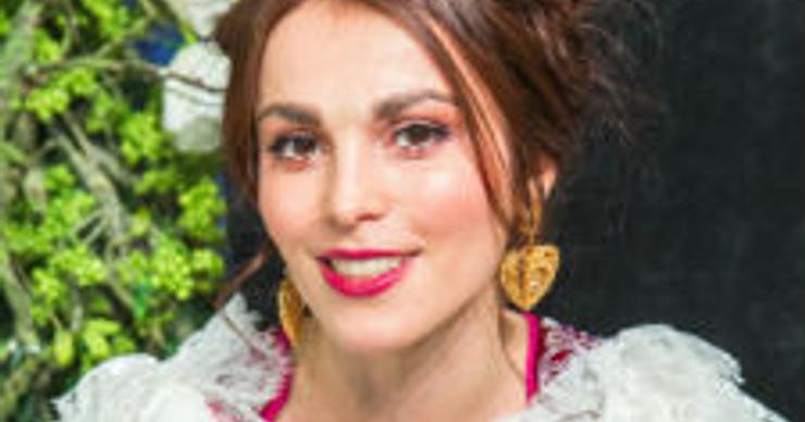 Сати Казанова вынуждена перенести свадьбу