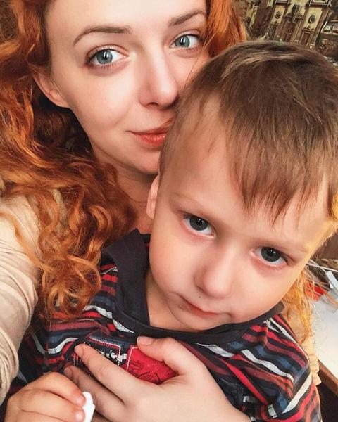 Женя Огурцова с сыном Марком