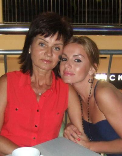 Юлия Волкова с мамой Ларисой Викторовной