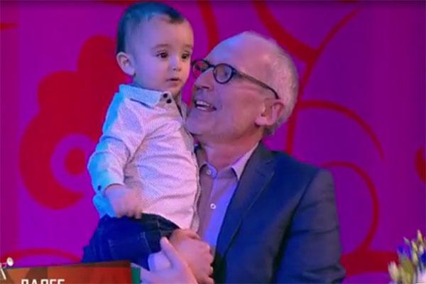 «Артист растет!», - рассмеялся телеведущий, держа сына на руках