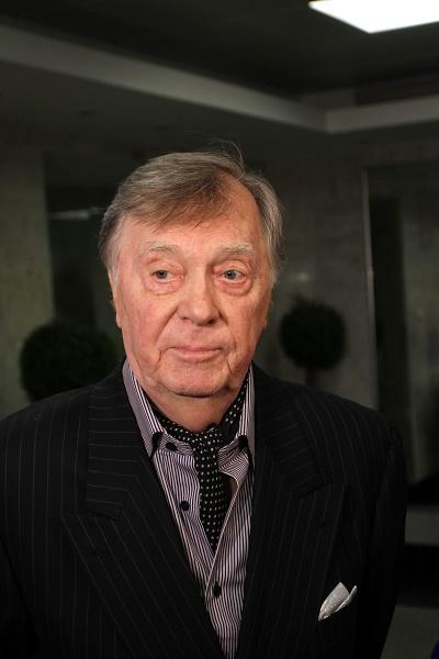 Анатолий Кузнецов лечился от рака два года