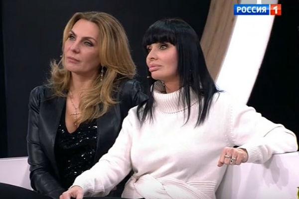 Алена Иванцова и Валентина Аришина (справа)