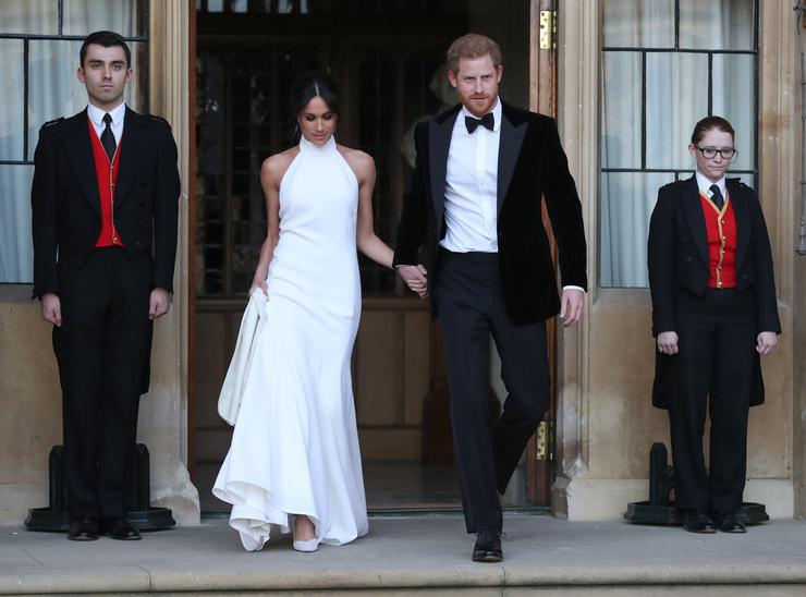 Поклонники предполагают, что план побега из королевской семьи Меган подготовила еще до свадьбы