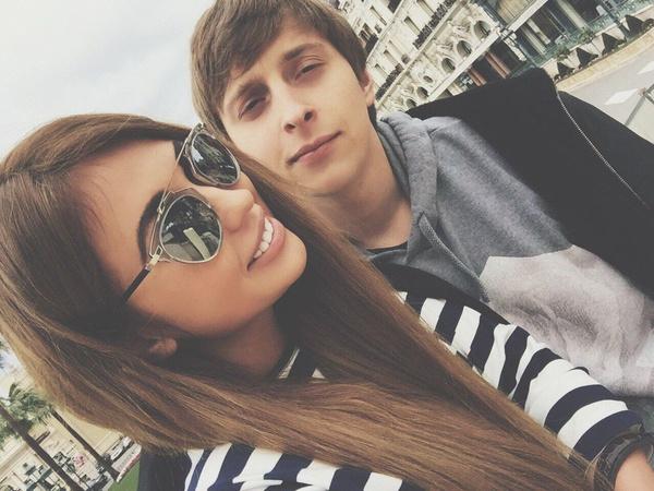 Анна и Александр встречались несколько месяцев