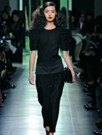 Модель с показа Bottega Veneta AW-2013/14