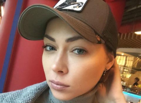 Настасья Самбурская показала травмы после жестокого избиения