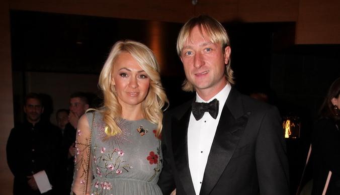 Яна Рудковская и Евгений Плющенко купили дом на колесах