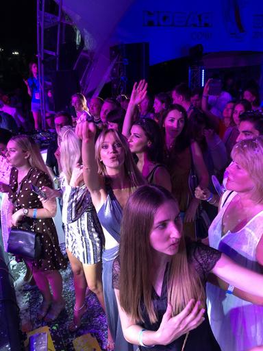 Наталья Ионова танцевала вместе со всеми