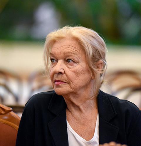 Попавшую под поезд Галину Дашевскую похоронили в Москве