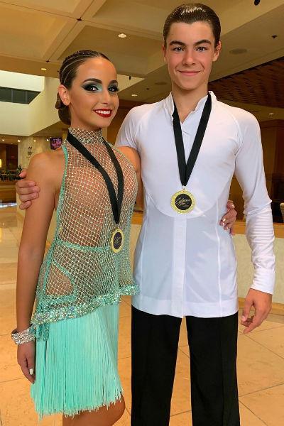 Тоня уже делает большие успехи в танцах