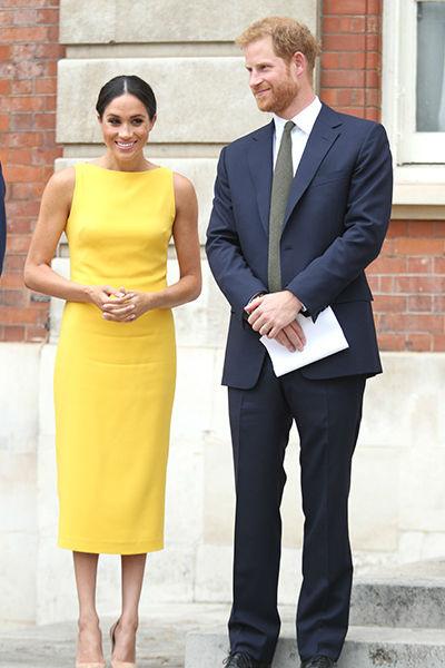 Желтое платье, в котором Меган недавно появилась на светском мероприятии, стоило около 1300 фунтов