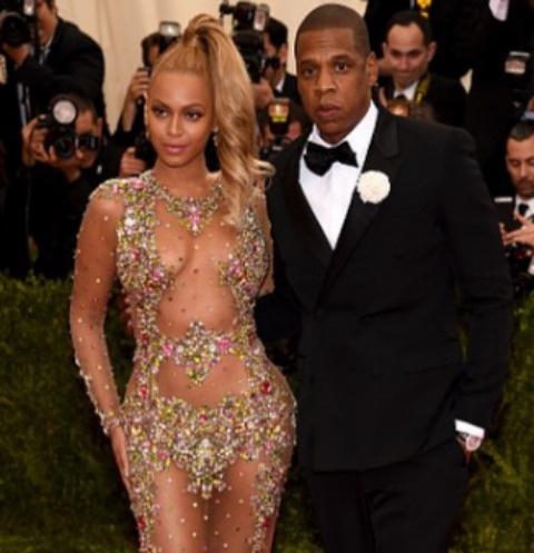Jay Z и Бейонсе собираются усыновить малыша
