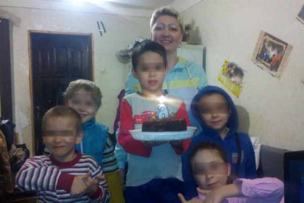 Людмила Тюмина с внуками