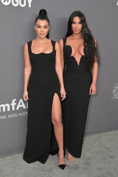Кортни и Ким продолжают появляться вместе на красных ковровых дорожках, но за их пределами почти не общаются