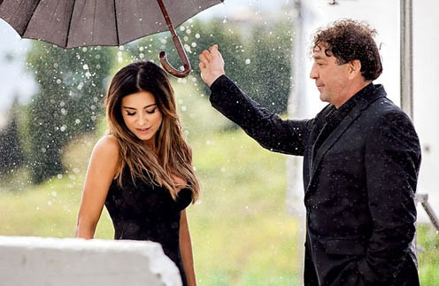 Кадр из клипа «Зеркала»