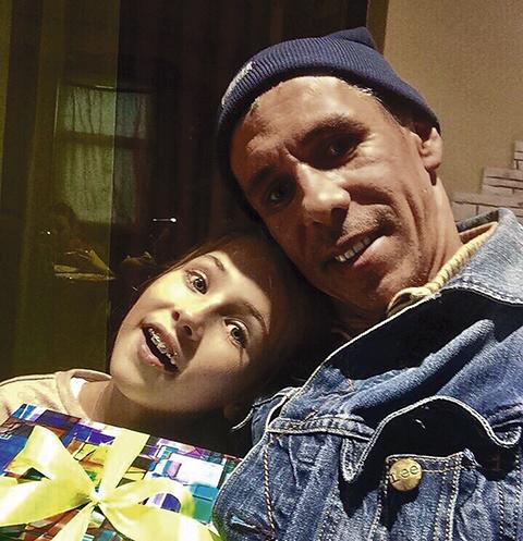 Алексей регулярно выкладывает фото с Аней в «Инстаграм»