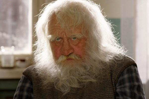В картине «Дедушка моей мечты» Леонид Якубович снялся сам и дал роли сыну и дочке