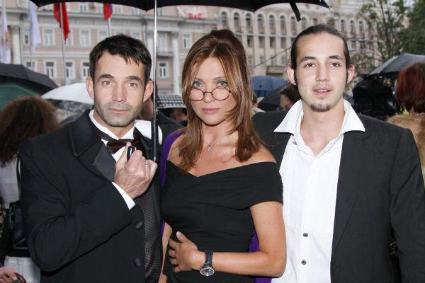 Дмитрий Певцов с женой и старшим сыном