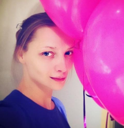 Екатерина Вилкова вынуждена выпрашивать подарки у мужа