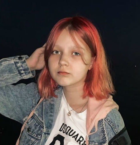 Забеременевшая в 13 лет Дарья Суднишникова впервые показала лицо дочери