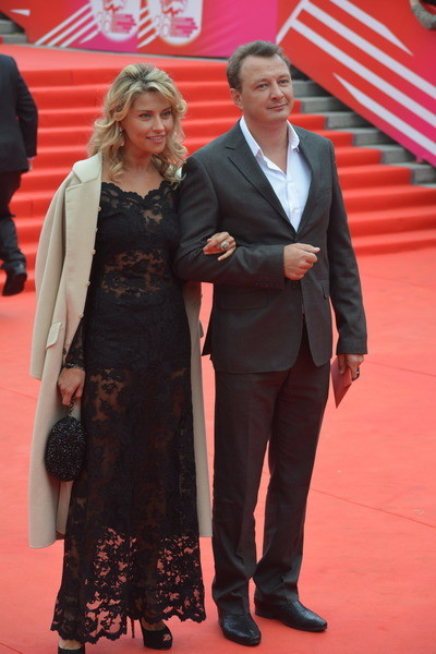 Екатерина Архарова признавалась, что актер любит рукоприкладство
