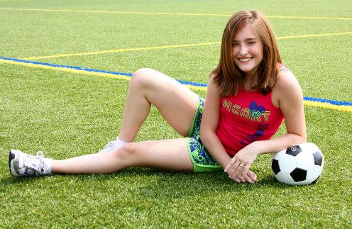 Новости: Болеем за наших: Как жены футболистов поддерживают игроков сборной – фото №1