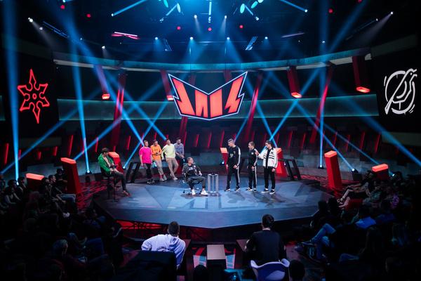 Антон Шастун станет ведущим нового шоу на ТНТ