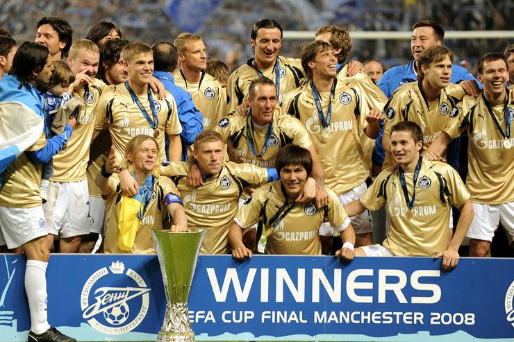 В составе «Зенита» Риксен выиграл кубок УЕФА