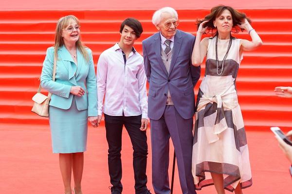 Наталия Белохвостикова с семьей